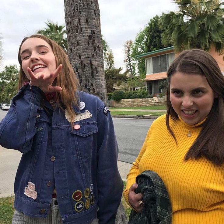Kaitlyn Dever And Beanie Feldstein Bts Booksmart In 2020