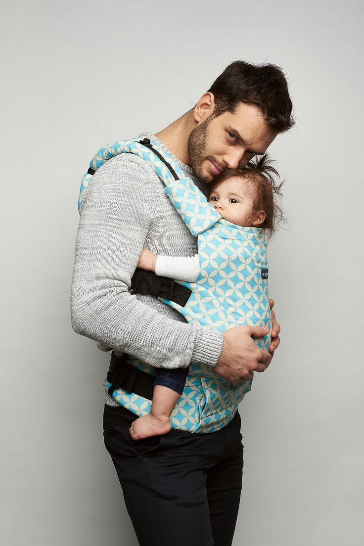 Baby carrier Zaffiro Embrace . Babywearing