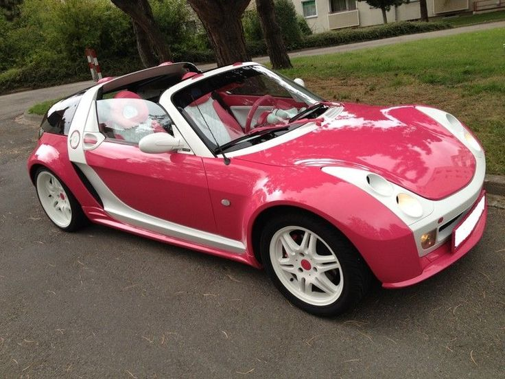 I found one that's pink! Smart Roadsters are adorable!