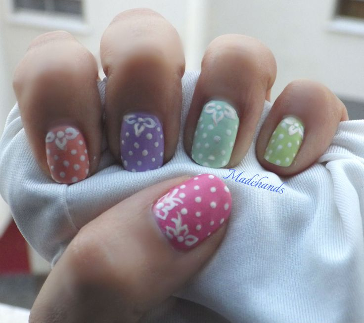 uñas mate con lunares!!nail art polka dots for begginers!!