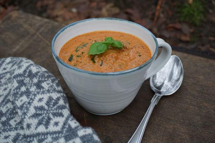 Har du inte provat vår Heta värmande Köttfärssoppa så ska du absolut göra det, så gott! Ännu ett härligt Paleo recept i Paleoskafferiet här Under vårt tak.