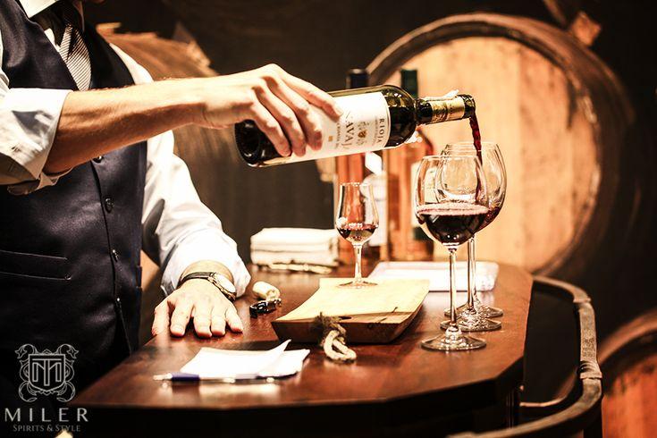 Jak sprawić żeby nasze wino było lepsze?  wine/ glases/ good wine/ barrel
