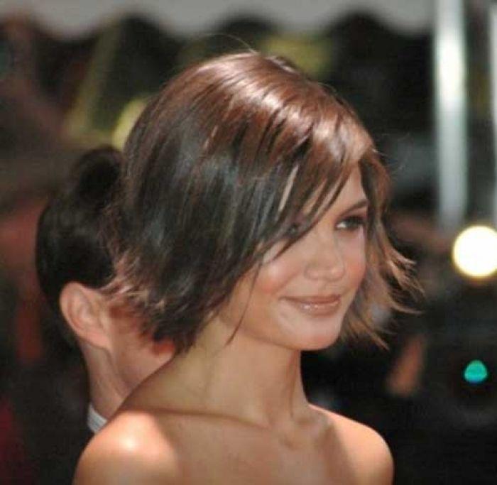 Www Short Haircut Com Wp Content Uploads 2016 05 Katie Holmes Pixie Hair Jpg Katie Holmes Hair Short Hair Styles Short Hair Haircuts