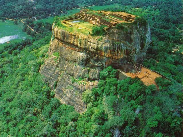 Sri Lanka - Travel Info and Travel Guide ~ Tourist Destinations