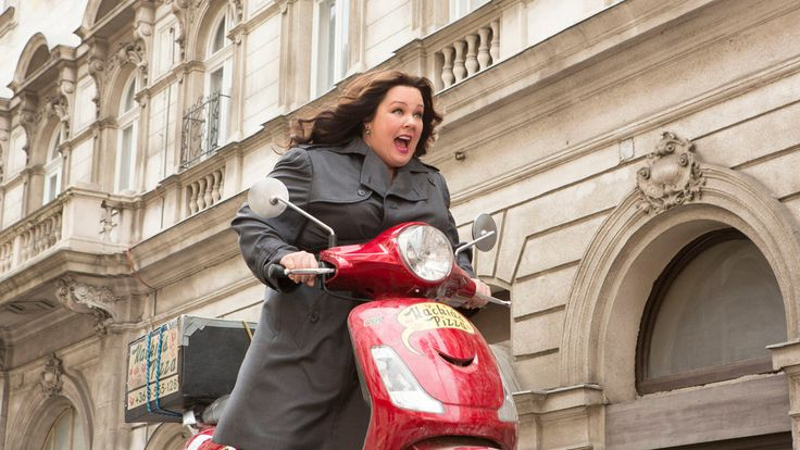 Review: In 'Spy,' Melissa McCarthy Is a C.I.A. Drudge Who Goes Rogue