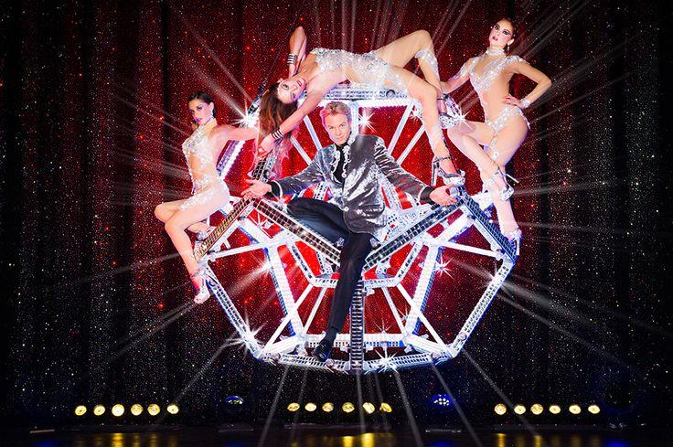 Peter Marvey ist der erfolgreichste Magier der Schweiz. Er hat seine Illusionen bereits in mehr als 30 Ländern präsentiert – Paris, Tokio, Las Vegas – und kommt am 27., 28. und 29. Mai 2016 in der Werfthalle der Schifffahrtsgesellschaft des Vierwaldstättersees in Luzern. Lasst euch verzaubern. Tickets: http://www.ticketcorner.ch/tickets.html?fun=erdetail&affiliate=PTT&doc=erdetaila&erid=1592914 #PeterMarvey