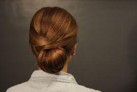 Blog o fryzurach i instrukcjach jak je zrobić. Warkocze, kłosy, loki. Fryzury na studniówkę. Fryzury dla długich włosów. Fale, koki, upięcia.