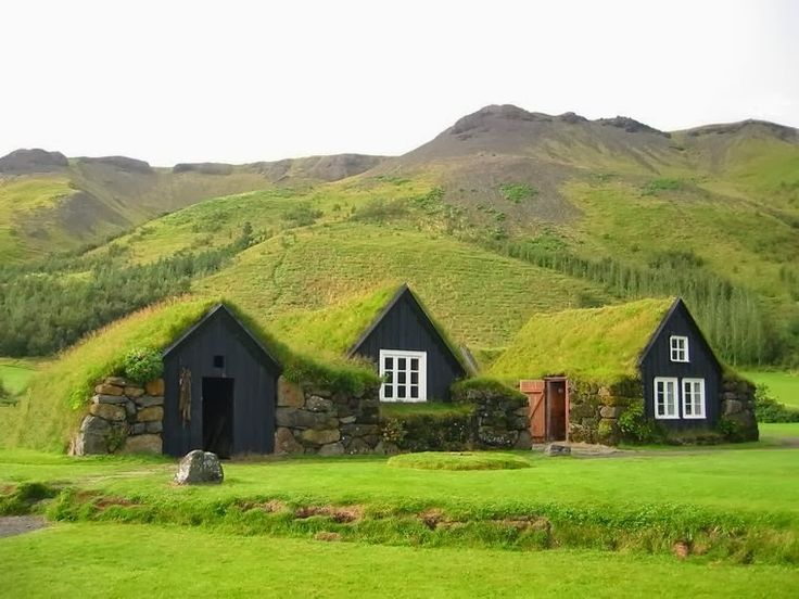 Icelandic Turf House With Images Green Roof Design