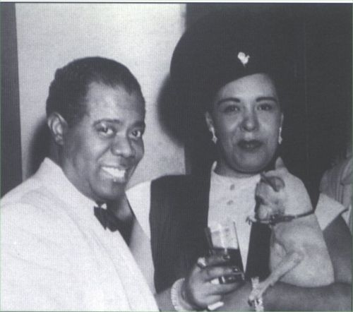 Billie Holiday, Lou Armstrong and a chihuahua at the dressing room