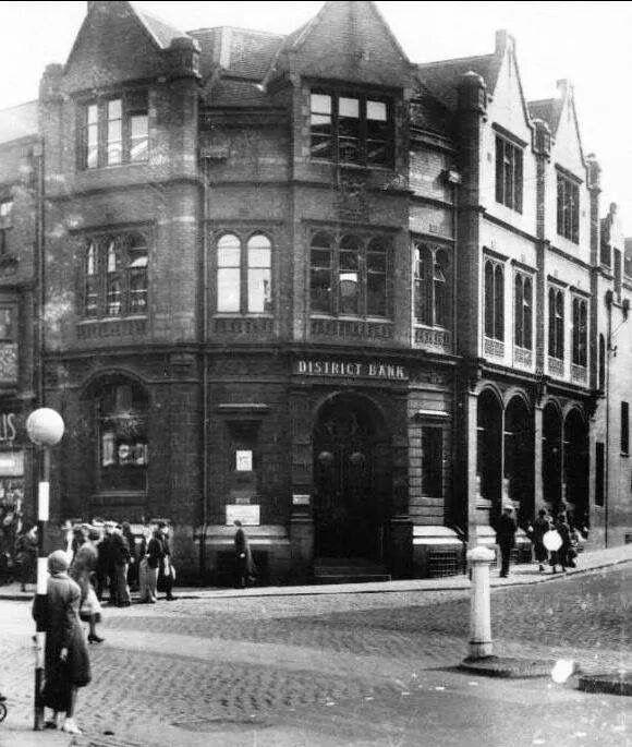 District Bank ( Nat West) corner of Market Street and Transport Lane