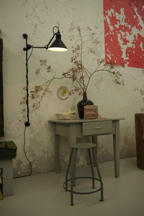 (C) Vosgesparis.blogspot.com: An Living room in the VT wonen home at the woonbeurs brocante table