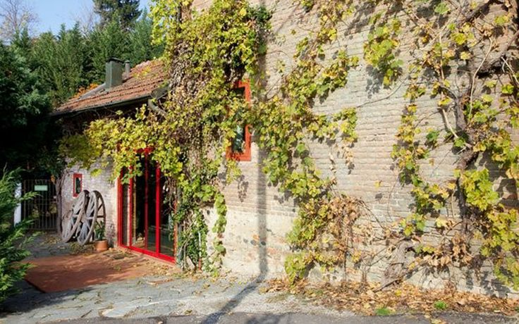 A pop colorful countryside house in Turin by Nomade Architettura http://www.nomadearchitettura.com/#all