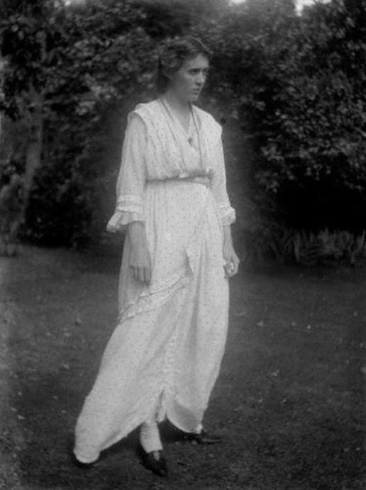 Vanessa Bell, 1914, by Ray Strachey.  Likely taken at Wittering where Mary Hutchinson had a holiday home, Eleanor House. Her love for Duncan Grant was growing and her affair with Roger Fry was coming to an end.