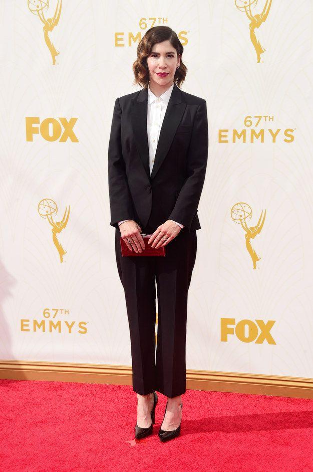 Ce costume porté par Carrie Brownstein aux Emmy 2015. | 20 femmes qui ont…