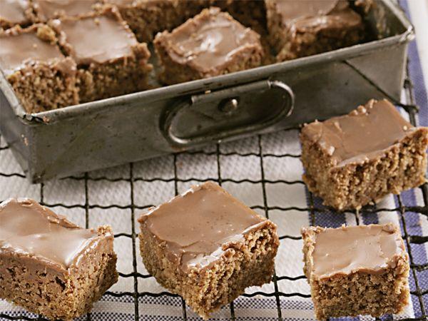 Sjokolade-fudge-blokkies. Die blokkies is die kitsweergawe van Romany Creams.