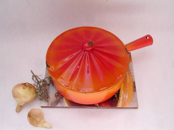 French vintage enamel casserole with fluted lid - French vintage enamelware - orange enamel pot with lid - deep enamel pan with lid