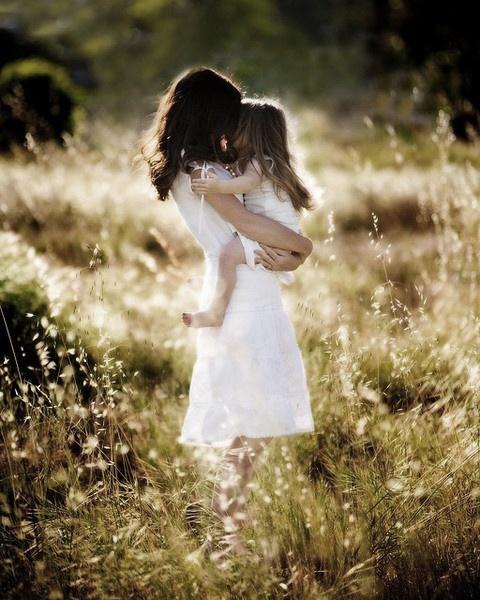 Als alleenstaande moeder heb ik geleerd in mijn eentje alles te managen en te organiseren. Ik kan mijzelf reflecteren, evalueren en verbeteren. Mijn dochter is het belangrijkste in mijn leven, zij geeft mij inspiratie en kracht om te zijn wie ik ben.