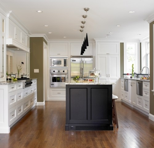 .: Houses Renovation, Kitchens Design, Traditional Kitchens, Tudor Houses, Kitchens Layout, Limited Design, White Cabinets, Wall Ovens, White Kitchens