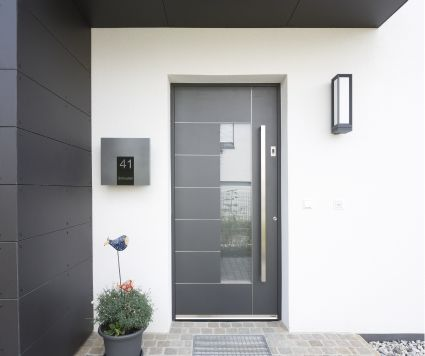 High quality aluminium entrance door equipped with a fingerprint reader