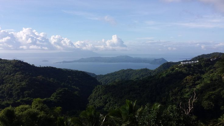 Taal lake and volcano Tagaytay Philippines(OC) [4128x2322]