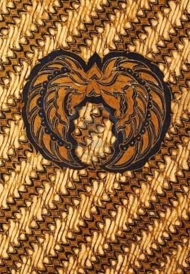 Batik ceplok garuda