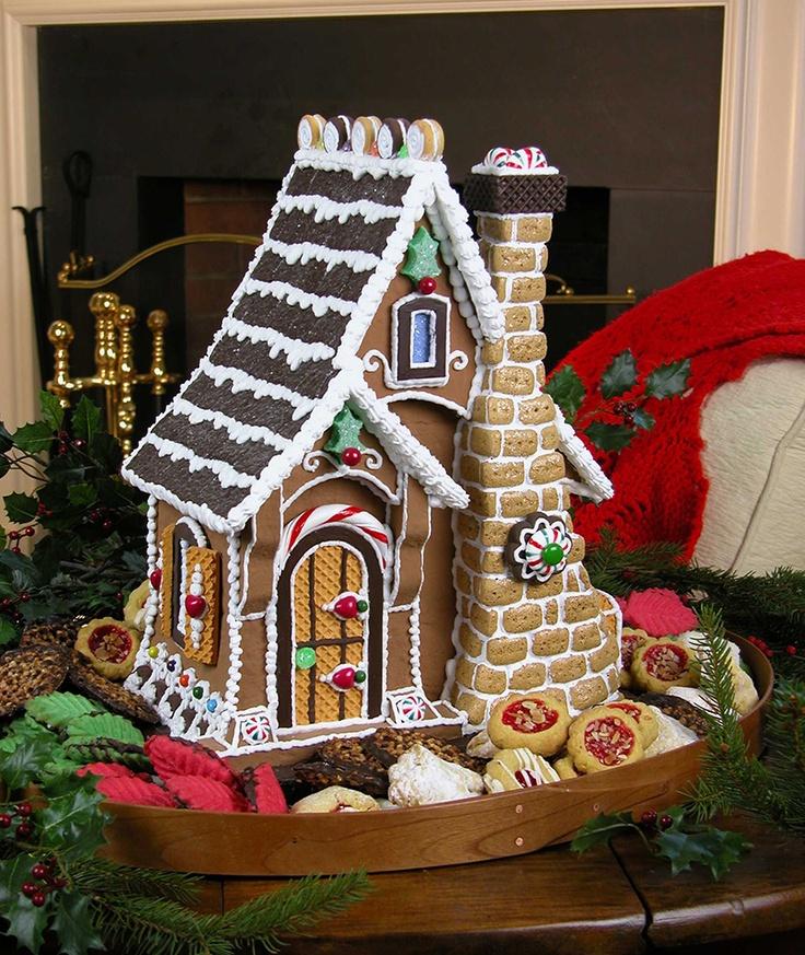 Sugar Cookie Gingerbread Cottage