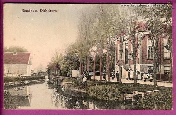 Raadhuisstraat richting dorpsstraat met raadhuis na 1870