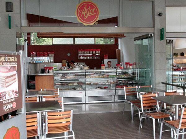 """Nuestro recomendado para hoy miércoles visitar el punto de venta de la @reposteriaastor en el """"MALL SAN LUCAS""""     www.elastor.com.co"""