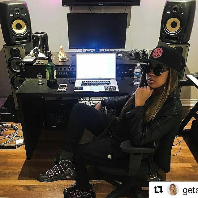 """#Repost @getatkat with @repostapp  ・・・  Get right witcha 👩🏼🎤 Rockin my new """"Hyper Pink"""" Nike Uptempos from my one and only shoe plug @theclosetinc 🔌 Get yours and use promo code """"boxpower"""" on select styles 👟👟 #GetAtKat #WittyKitty #BoxPower #KatDaddy #TeamCloset #CanadaGotSole #WeTheNorth #Toronto #Ontario #Canada #ChicksInKicks #Sneakerchick #KicksOnChicks #NikeAirMoreUptempo #AirMoreUptempo #NikeUptempo #Uptempo #ScottiePippen #WalkLikeHer #Wdywt #Femalesneakerhead #Js #Jordans #6ix…"""
