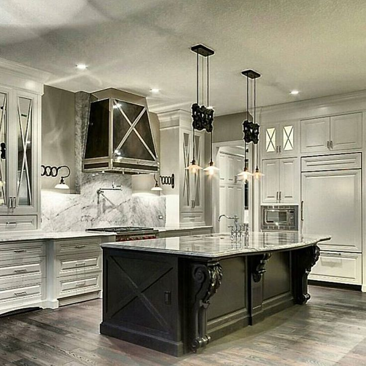Love the industrial touches in this gorgeous kitchen by Savoy Homes  #home#white#metal#industrial#city#citylife#white#interiordesign#saturday#weekend#gucci#LV#chanel#travel#cream#makeup#fragrance#mom#dad