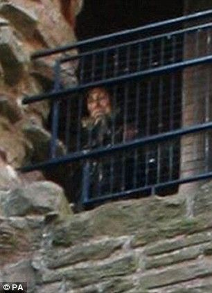 In the ruins of a Scottish castle an elderly woman peers down from a window. She seems to be wearing centuries-old clothing. According to the man behind the camera, no such figure was there when he took the picture.The image was captured by C. Aitchison at Tantallon Castle in North Berwick, E.Lothian. Detailed examinations show the image has not been manipulated. The snap was judged the best of more than 250 submitted to a study being run as part of the Edinburgh International Science…