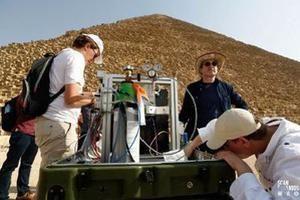 Découverte de deux cavités dans la grande pyramide de Khéops