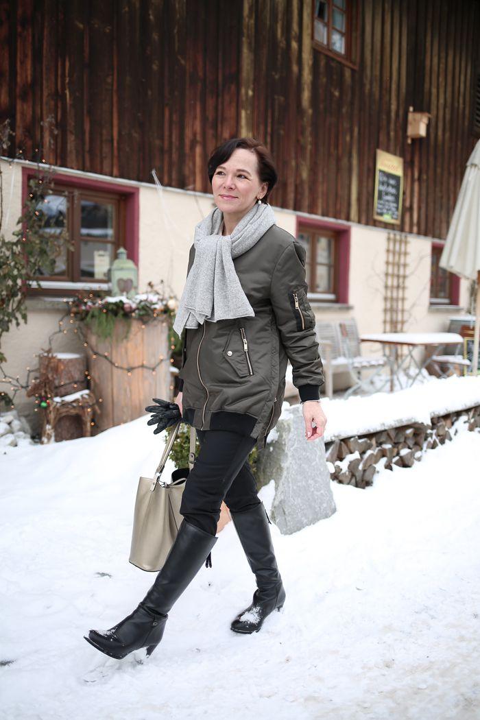 Lange Zara Bomber Jacke - praktisch, stylish und perfekt für die Übergangszeit