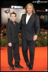 Viggo Mortensen and his son Henry Blake (b Jan. 1998) (mom: ex-wife Exene…