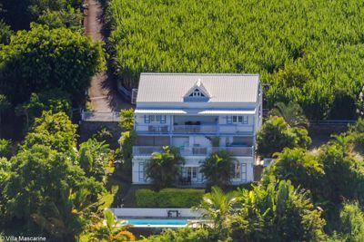 La piscine de la propriété avec chambres d'hôtes à vendre à Saint Leu à la Réunion
