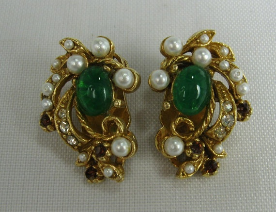 Vintage Green Glass Faux Pearl Clip Earrings by TheFashionDen, $23.00