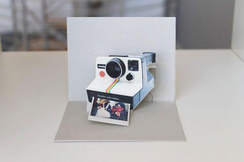 Polaroid Card  DIY / Brit & Co.Diy Pop, Diy Polaroid, Pop Up Cards, Polaroid Cards, Polaroid Pop Up, Polaroid Cameras, Cards Diy, Popup Cards, Diy Cards