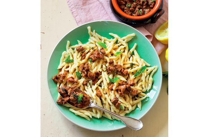 Ricetta Trofie con salsa al limone, menta e stufato di agnello - Le ricette de La Cucina Italiana