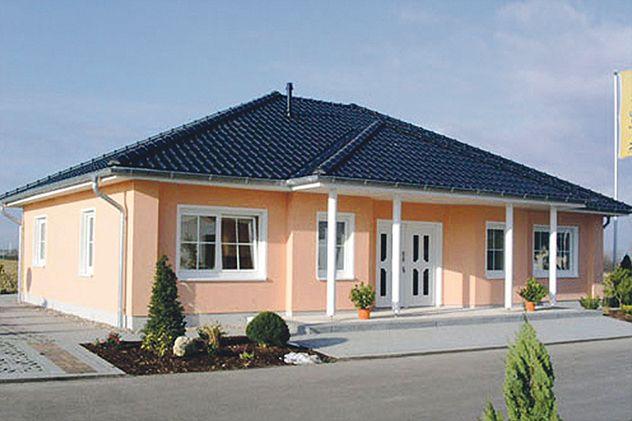 bungalow in apricot wohnen auf einer ebene liegt voll im trend dieser gro z gige. Black Bedroom Furniture Sets. Home Design Ideas
