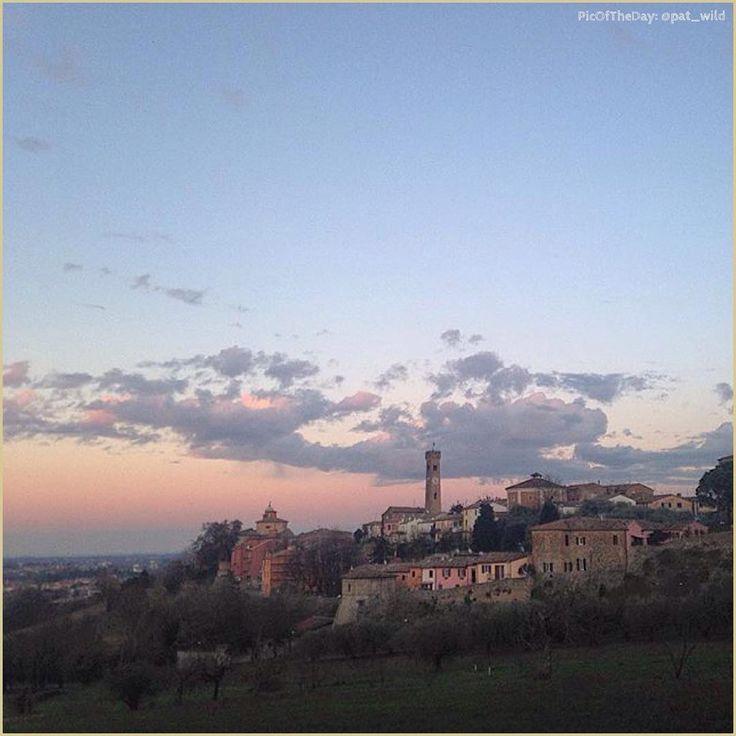 """""""Romagna mia""""  La #PicOfTheDay #turismoer di oggi va alla ricerca di un angolo di quiete sulle colline di #Santarcangelo di #Romagna  Complimenti e grazie a @pat_wild / Today's #PicOfTheDay #turismoer goes looking for a peaceful corner on #SantarcangelodiRomagna hills  Congrats and thanks to @pat_wild"""