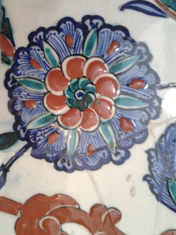 Iznik tile detail