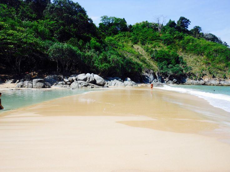"""Farniente sur une plage de sable fin - Carnet de voyage """"Doudou & chouchou en Thaïlande"""""""