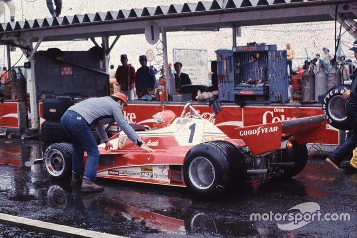 Niki Lauda, Ferrari se retire volontairement en raison des conditions climatiques
