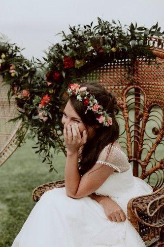 Mariage folk - décoration kinfolk - fauteuil Emmanuelle - Couronne de fleurs
