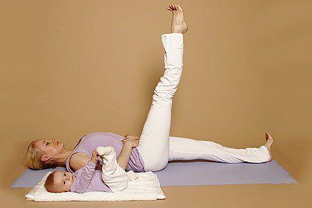 Yoga Übungen: Rückbildung nach der Geburt mit Yoga - BRIGITTE