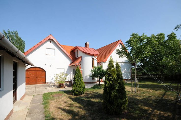 House in Örvényes, Hungary. You can find our Guesthouse on the north side of lake Balaton, seven kilometers from Tihany. Food store, restaurant 150m, eighthundred years old watermill 200m, entry free beach 500m, eightteen holes golf club one kilometer -far can you find.  Our...