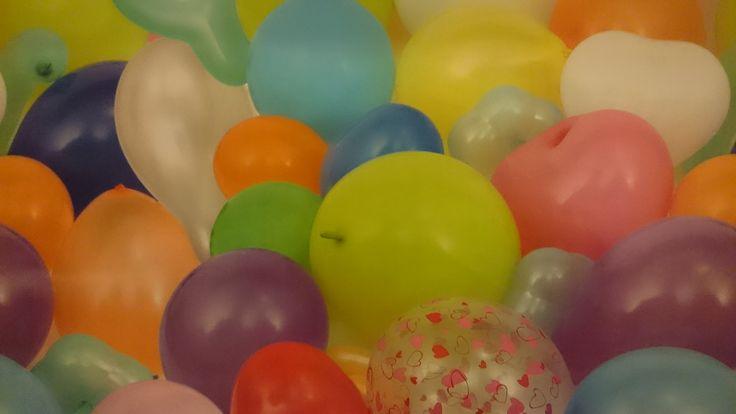 Tafelzeil kleurrijke ballonnen | Via Cannella kookwinkel | www.viacannella.nl