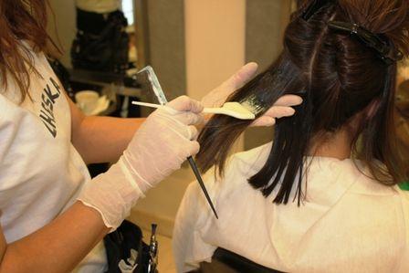 Cómo tener el pelo brillante usando remedios naturales y