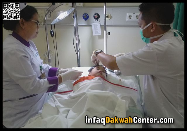 Balita Ahmad Alvaro Komplikasi Jantung Otak Pernafasan dan Paru-paru. Ayo Bantu..!!!  Masya Allah!!! Sungguh malang nasib balita Ahmad Alvaro Ferrari. Dalam usia yang baru menginjak dua tahun ia harus bertarung nyawa menghadapi ujian hidup yang bertubi-tubi dan beratnya melebihi ujian orang dewasa. Komplikasi lahir batin..!!  JAKARTA Infaq Dakwah Center (IDC) Lahir tanpa belaian sang ayah ia hidup menderita berbagai penyakit (komplikasi): jantung tidak normal pengecilan otak kepala…