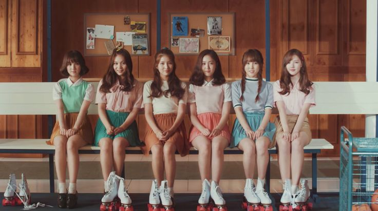 Song challenge DAY 2: song that make you happy . Gfriend - Navillera. Warning: korea